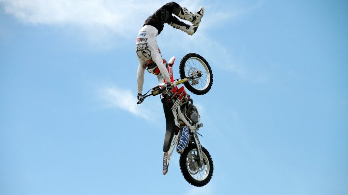 Wallpaper 3: Motocross Aerial Acrobatics