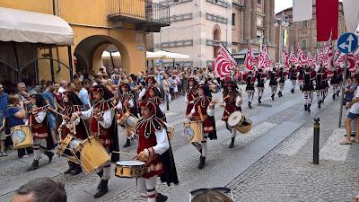 Gruppo sbandieratori e musici principi d'Acaja di Fossano - flag throwers of Fossano.