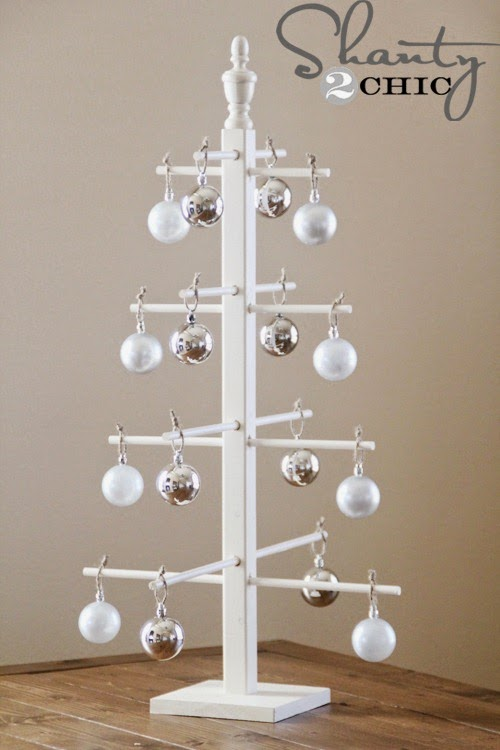 Blue Starr Gallery: DIY Ornament Display Tree