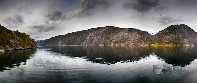 Piękne zdjęcie panoramiczne - Wodospad Langfossen i Åkrafjord w Norwegii w miejscowości Etne w okolicach Haugesund