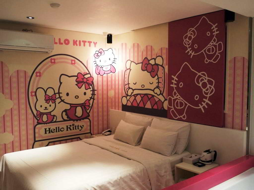 23 desain wallpaper kamar hello kitty sederhana anak