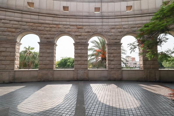 台中霧峰亞洲大學阿勃勒和紫薇花開,羅馬兢技場和歐洲宮殿好好拍