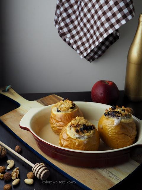 jabłka faszerowane jaglanką
