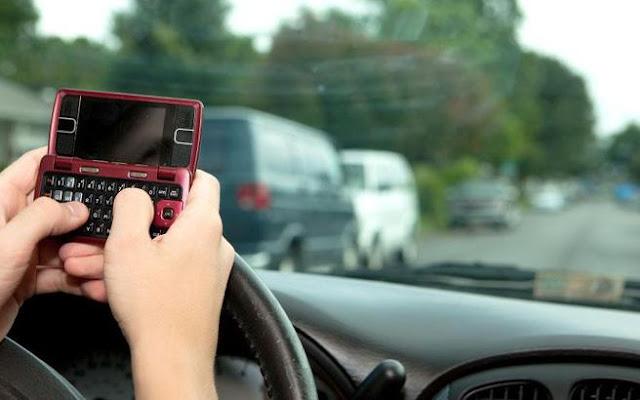 Χρησιμοποιείς το κινητό σου ενώ οδηγάς; Μετά από αυτό θα αλλάξεις γνώμη