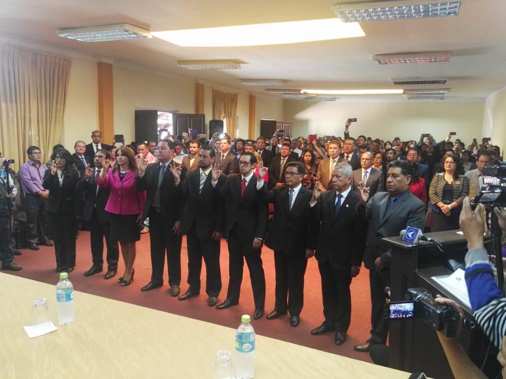 Nueve fiscales distritales  fueron posesionados hoy por Lanchipa en Sucre / ABI