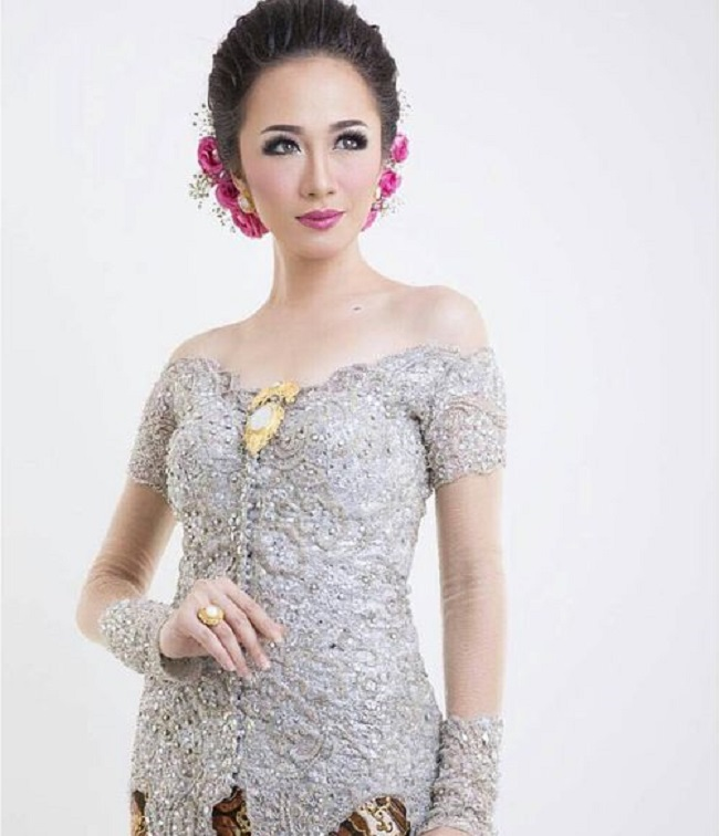 Model Kebaya Simple Terbaru
