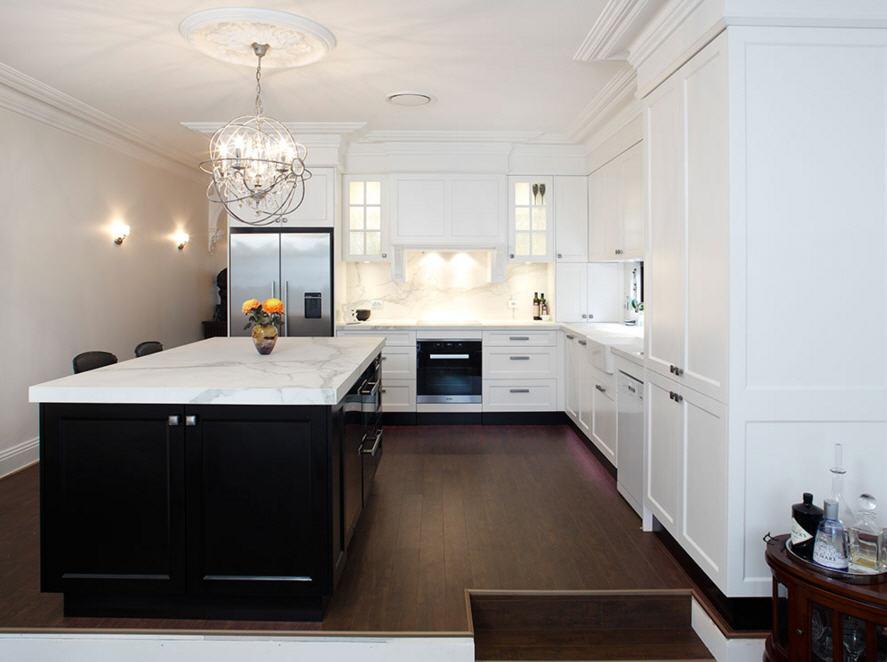 cocina-con-marmol-blanco
