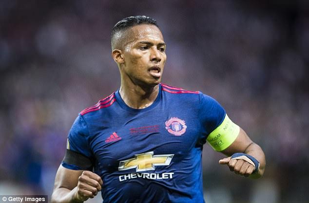 Bế tắc, Mourinho chỉ trích cả trò cưng Valencia