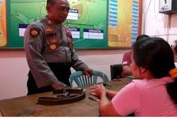 Kedapatan Serong, Bu Mantan Kades Di Kecamatan Klambu Digrebeg Warga Dan Bawa Ke Kantor Polisi