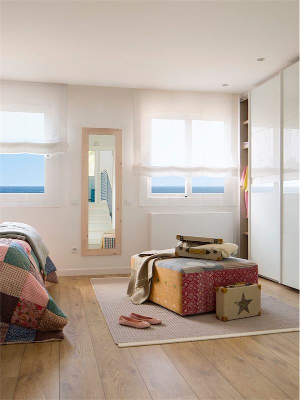 gran armario blanco en dormitorio chicanddeco