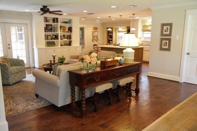 sofa table decor ideas tip 3 choose a primary focal piece the benefits of a sofa - Sofa Table Decor