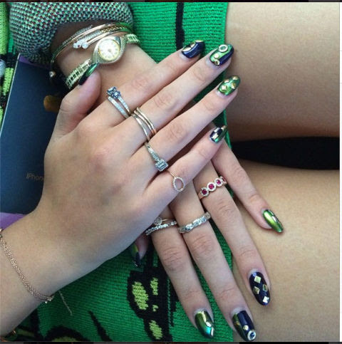 Make Pretty or Attractive Nails with Charming and Engaging Nails Design