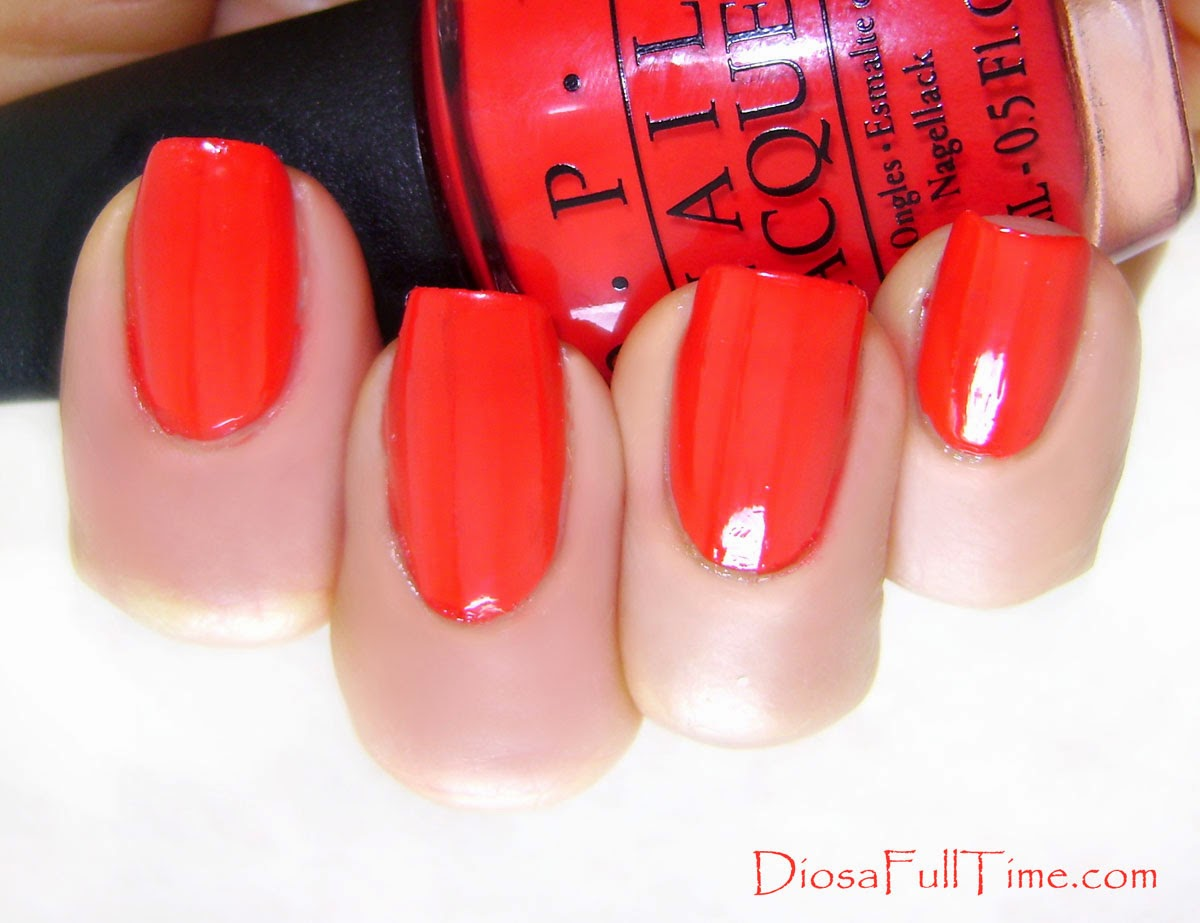 Diosa full time: Coca Cola Red. Un rojo perfecto.