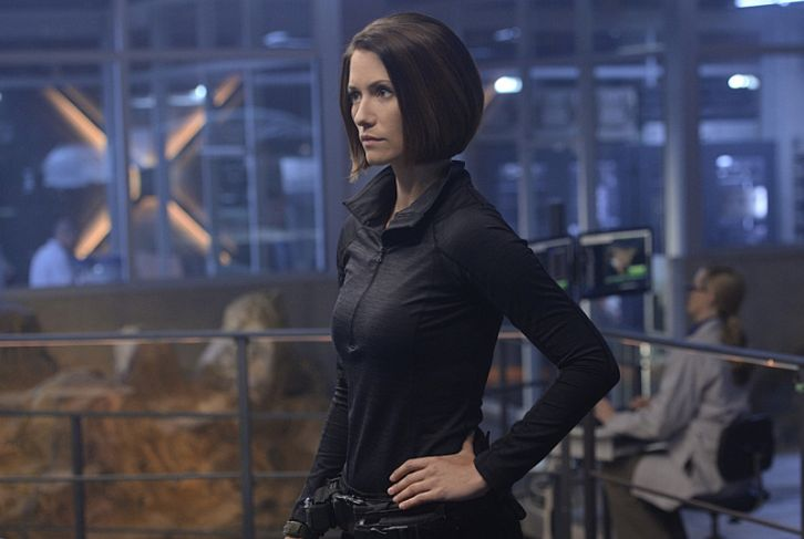 Performers Of The Month - October Winner: Outstanding Actress - Chyler Leigh