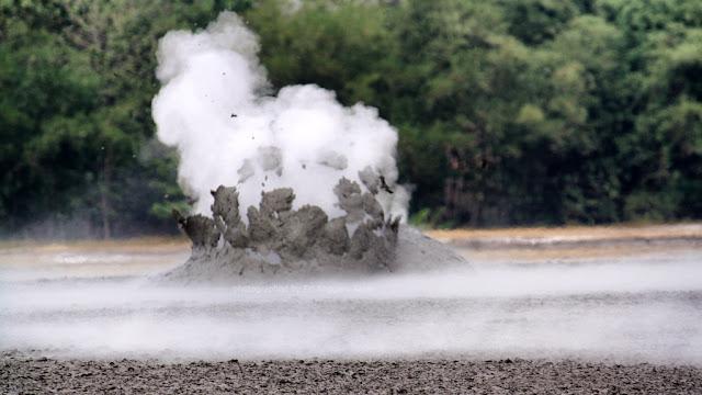 Bleduk Kuwu, fenomena alam kawah lumpur di Kabupaten Grobogan.