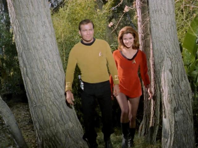 Mini Skirts in 'Star Trek' (1966) ~ vintage everyday | 640 x 479 jpeg 76kB