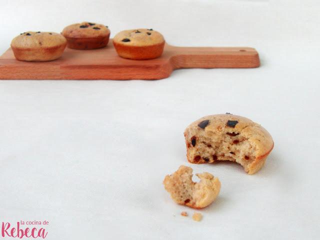 Panecillos de queso y ajo negro