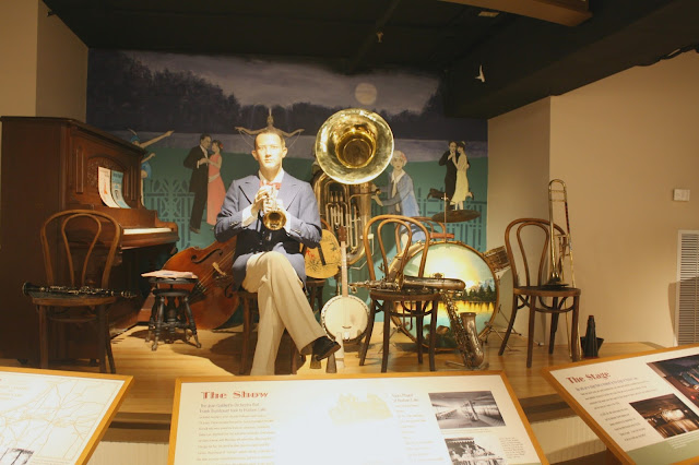 Bix Beiderbecke with a band setup.