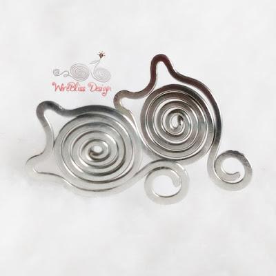 Wire wrapped cat earrings by WireBliss