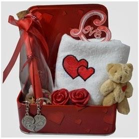 sevgiliye hediye sepeti