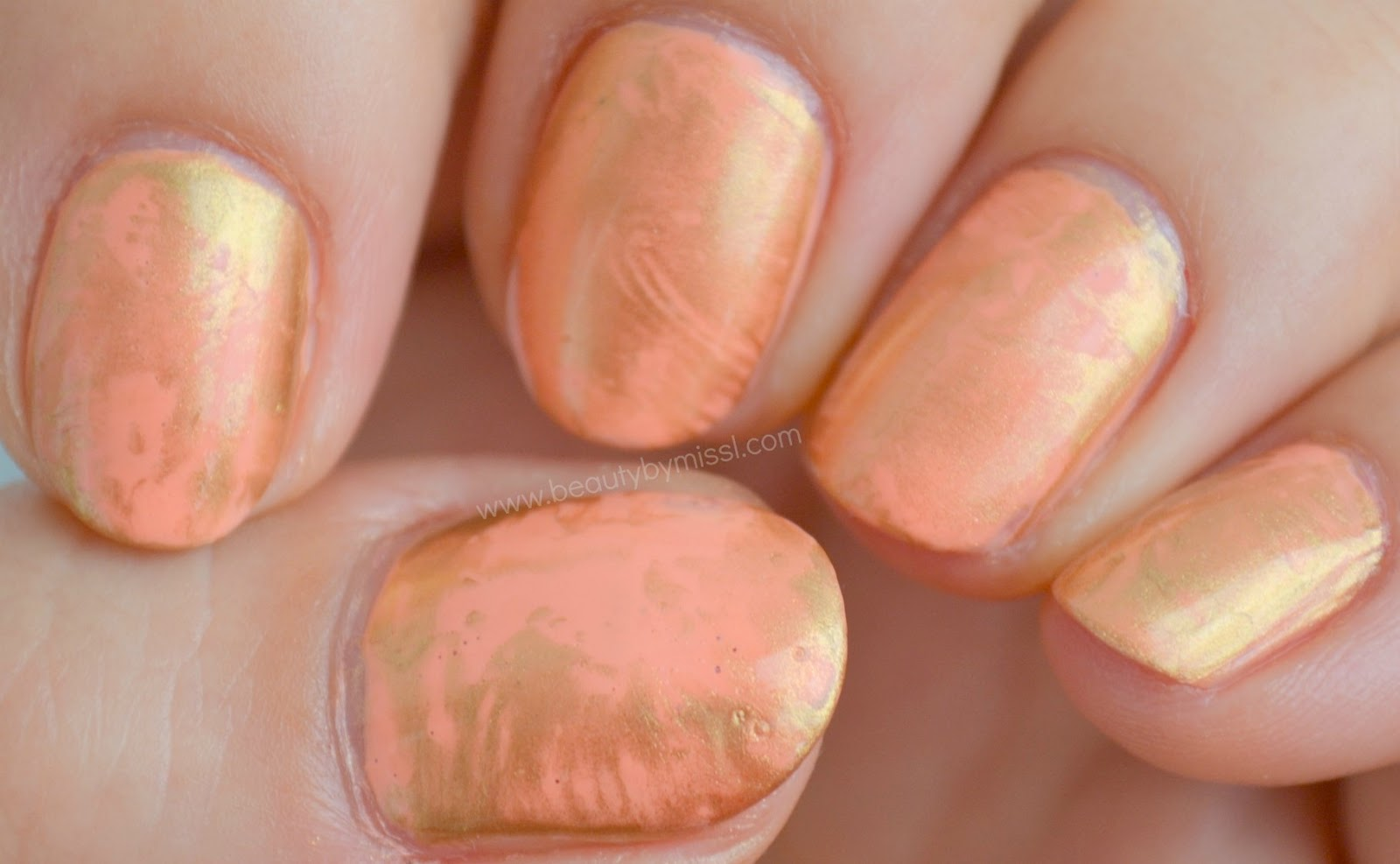 pink & gold manicure