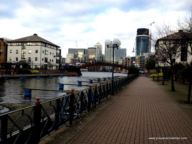 canales de Canary Wharf