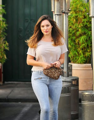 New Look ends agitate Kelly Brook