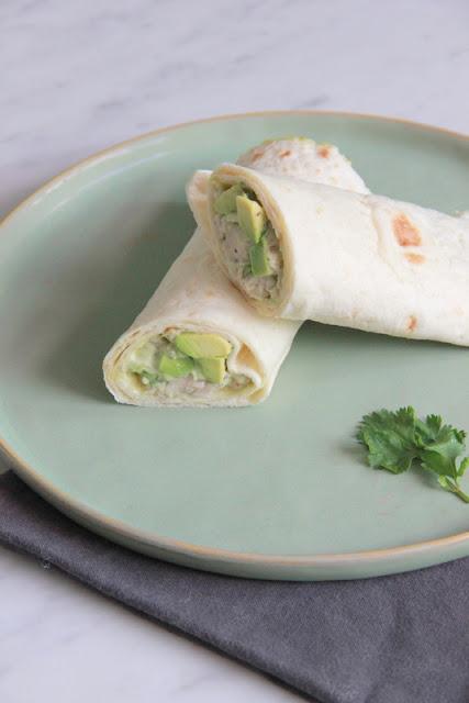 wrap met kip-avocado salade - www.desmaakvancecile.com