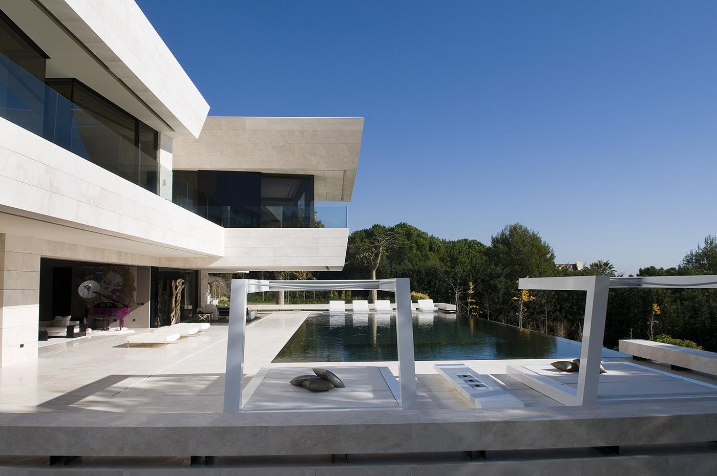 Arquitectura arquidea vivienda unifamiliar en marbella - Viviendas de acero ...