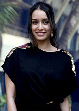 Shraddha Kapoor Wiki, Height, Weight, Age, Husband, Family and Biography