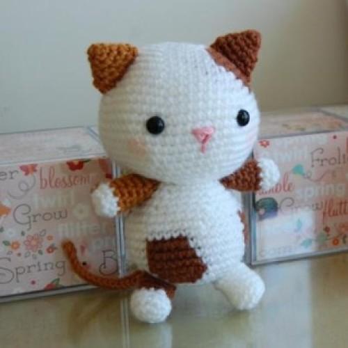 Kitten Amigurumi - Free Pattern