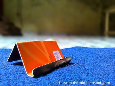 Memanfaatkan Bekas SIM Card Jadi Dudukan Ponsel