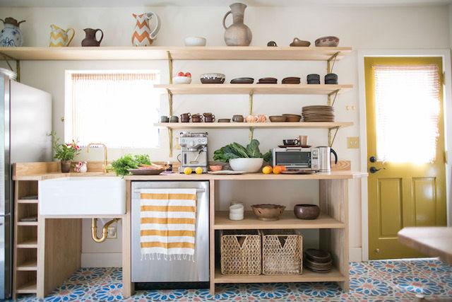 Cómo organizar la cocina ¡si casi no tienes armarios!