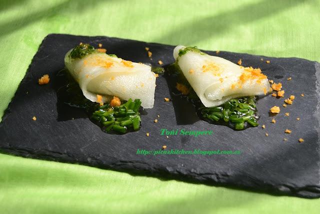Raviolis de melón rellenos de queso gorgonzola