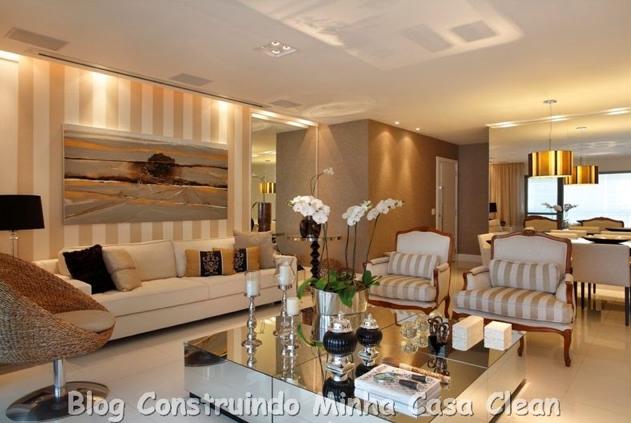 Sala De Estar E Jantar Marrom ~  Apenas spots na sala de estar e um pendente dourado na sala de jantar