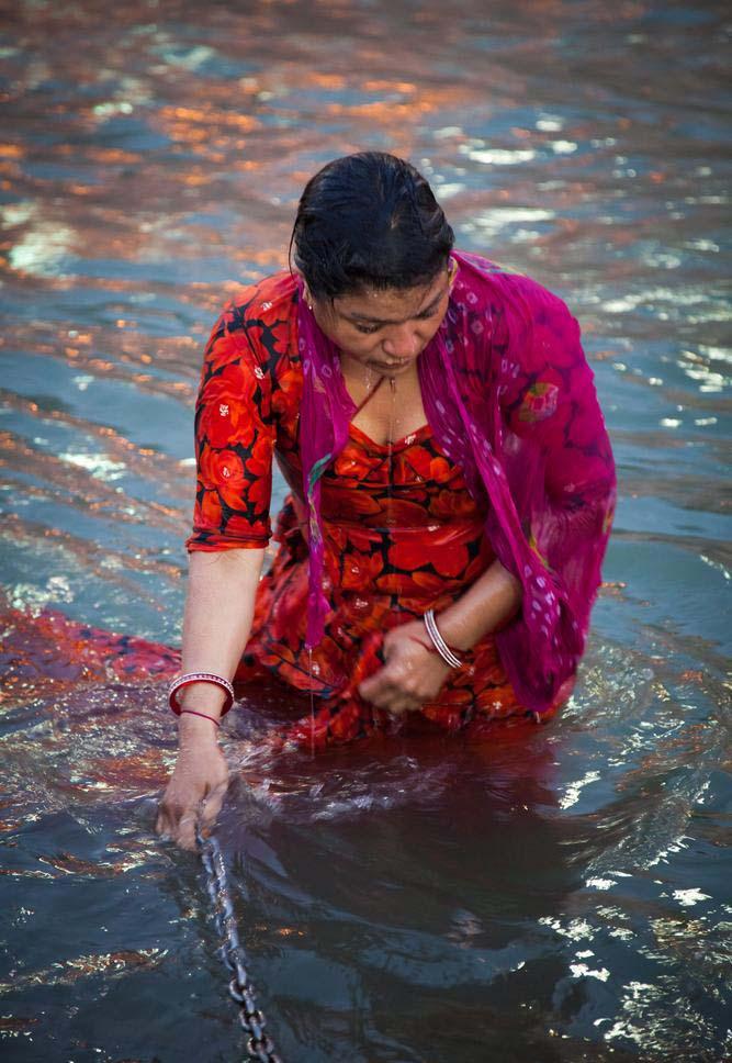 Desi Fun Time : Kumbh Mela Girls Pictures l Ganga Maiya ...