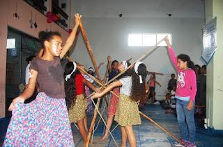 Ong Crescer para o Futuro realizou apresentações culturais no Ilha Jovem