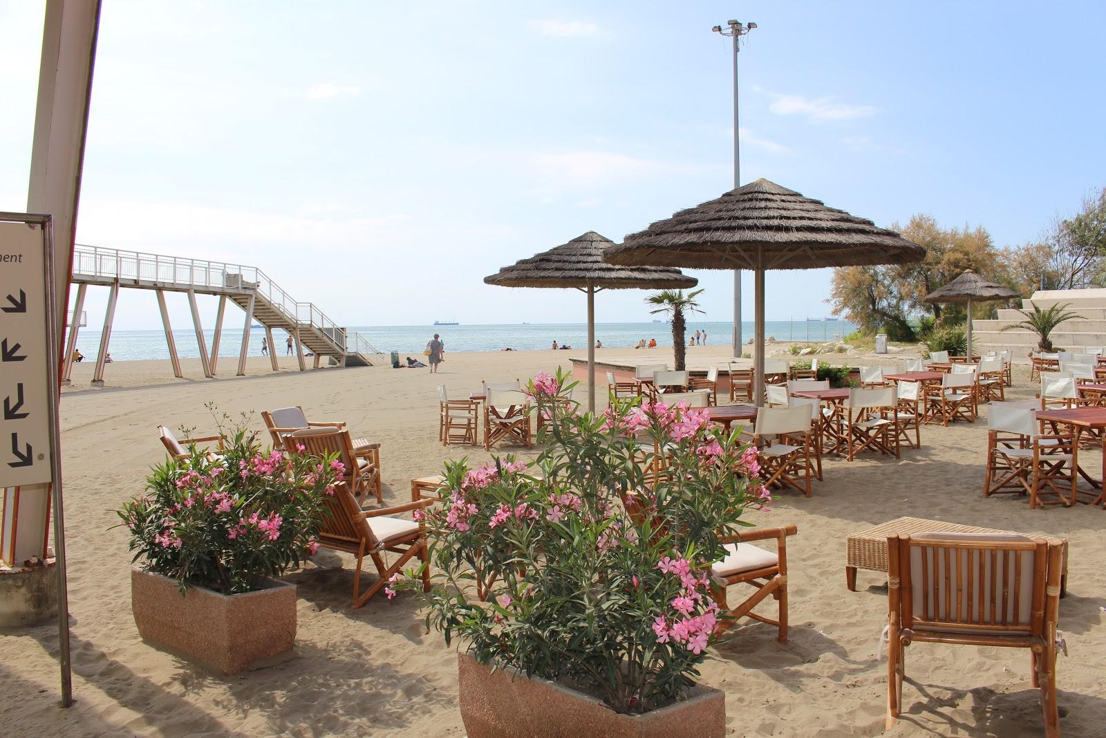 Der Sommer ist da, die Urlaube werden gebucht - nur was soll man buchen? Einen Strandurlaub in Italien, eine Kreuzfahrt übers mehr oder doch lieber einen Städtetrip?! Erfahrt in meinem heutigen Blogbeitrag wie ich mir einen perfekten Tag am Strand vorstelle und ja - ich bin absolut Typ Strand&Meer. Schaut vorbei auf www.moreaboutdanie.at