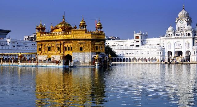 golden-temple-amritsar-punjab-india-tour-guid