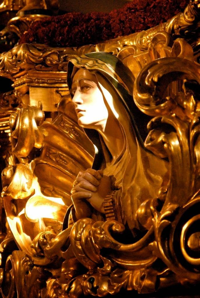processies, Semana Santa, Goede Week, Malaga, Spanje, Antonio Banderas als gast, spectaculaire wagens, indrukwekkende tronen, Mariabeelden, Jezusbeelden, Malaga evenement in april, optochten met heiligen beelden, nazareno's, broederschappen, Maria-en Christustronen, La Virgin de la Esperanza, El Cristo de Mena