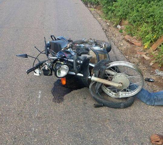 Colisão entre motocicletas deixa uma vítima fatal em São Miguel
