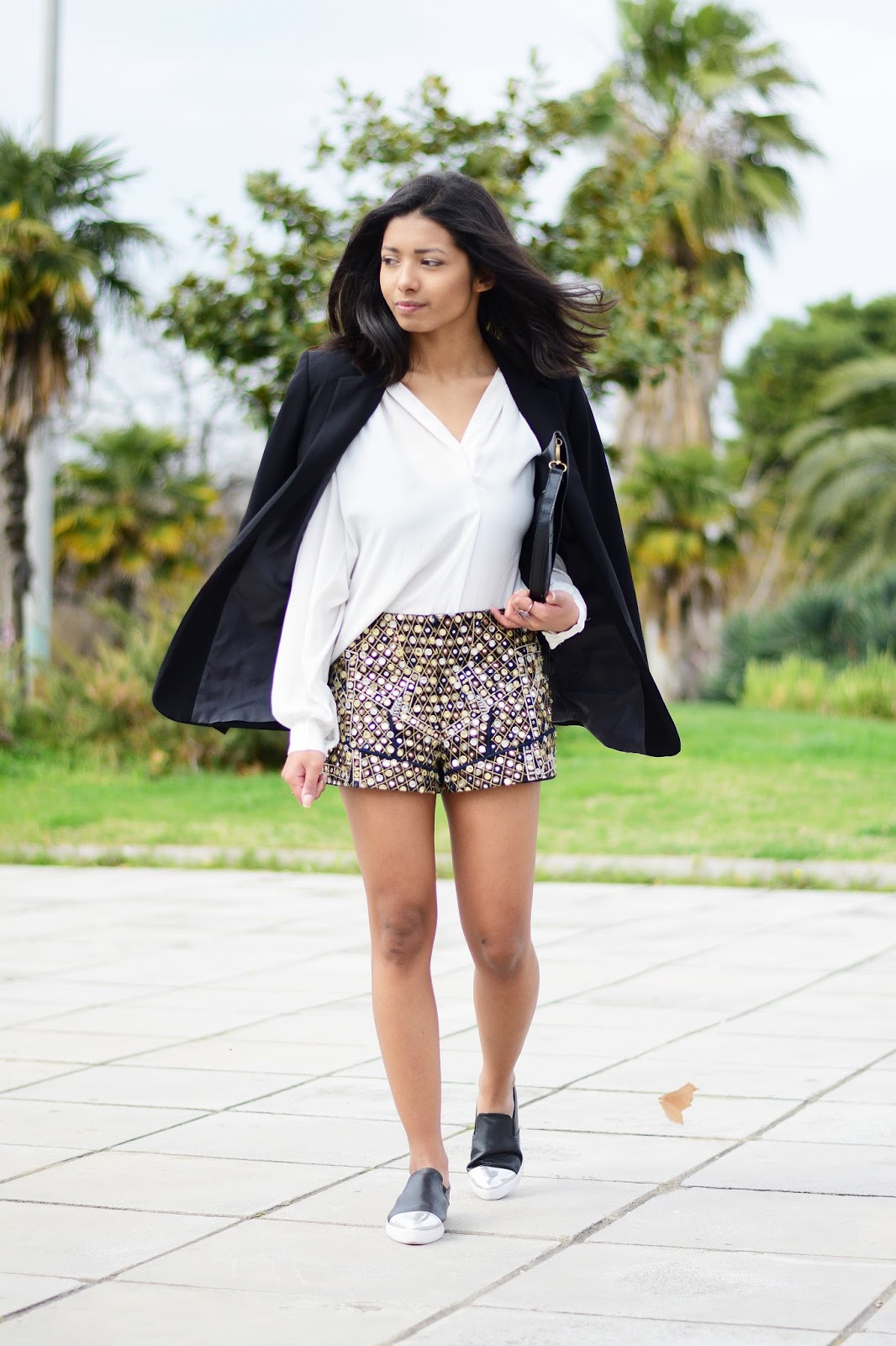 how to style womens embroidered shorts