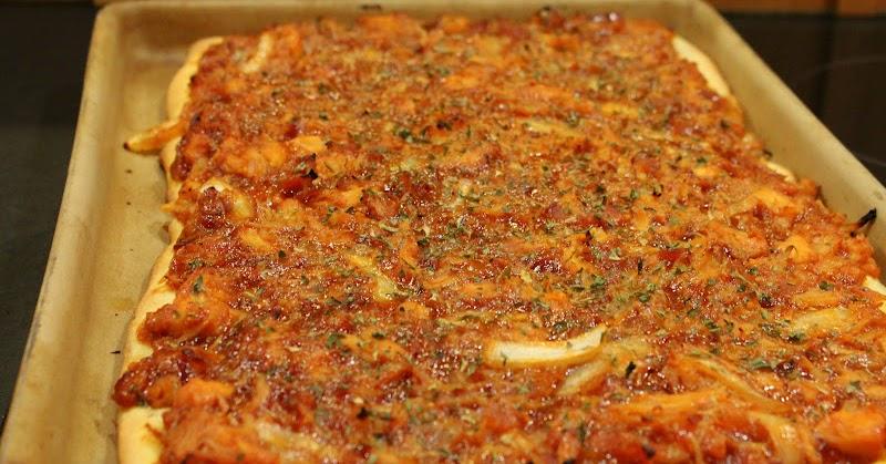Yourlifeuncommon Recipe 13 Bbq Chicken Onion Amp Bacon Pizza