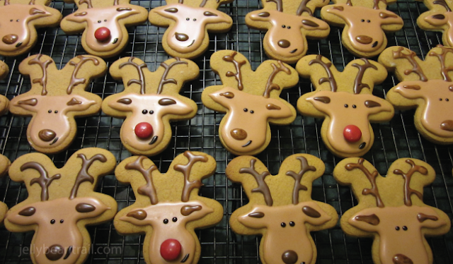 Easy Gingerbread Reindeer cookies for the Holidays Christmas