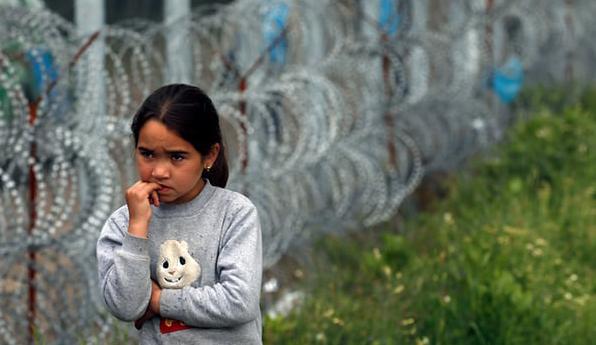 Hungary to criminalise migrant helpers with 'Stop Soros' legislation