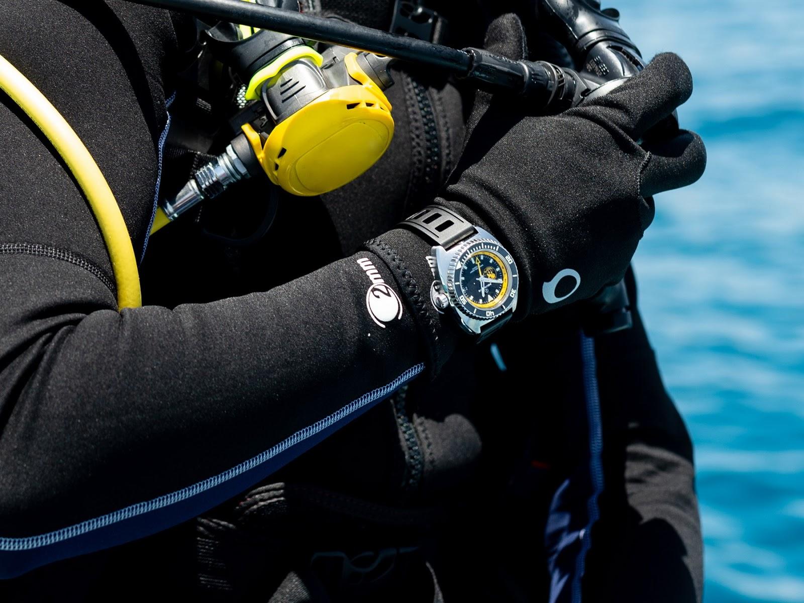 Aquadive's new Poseidon GMT AQUADIVE+Bathyscaphe+100+GMT+POSEIDON+10