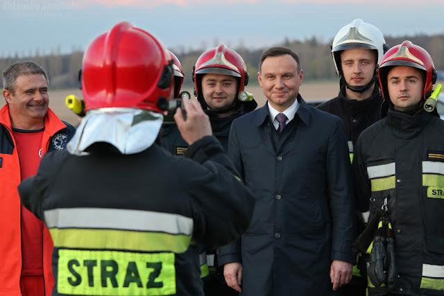 Andrzej Duda - Prezydent Rzeczypospolitej Polskiej  - Lotnisko w Świebodzicach 2016