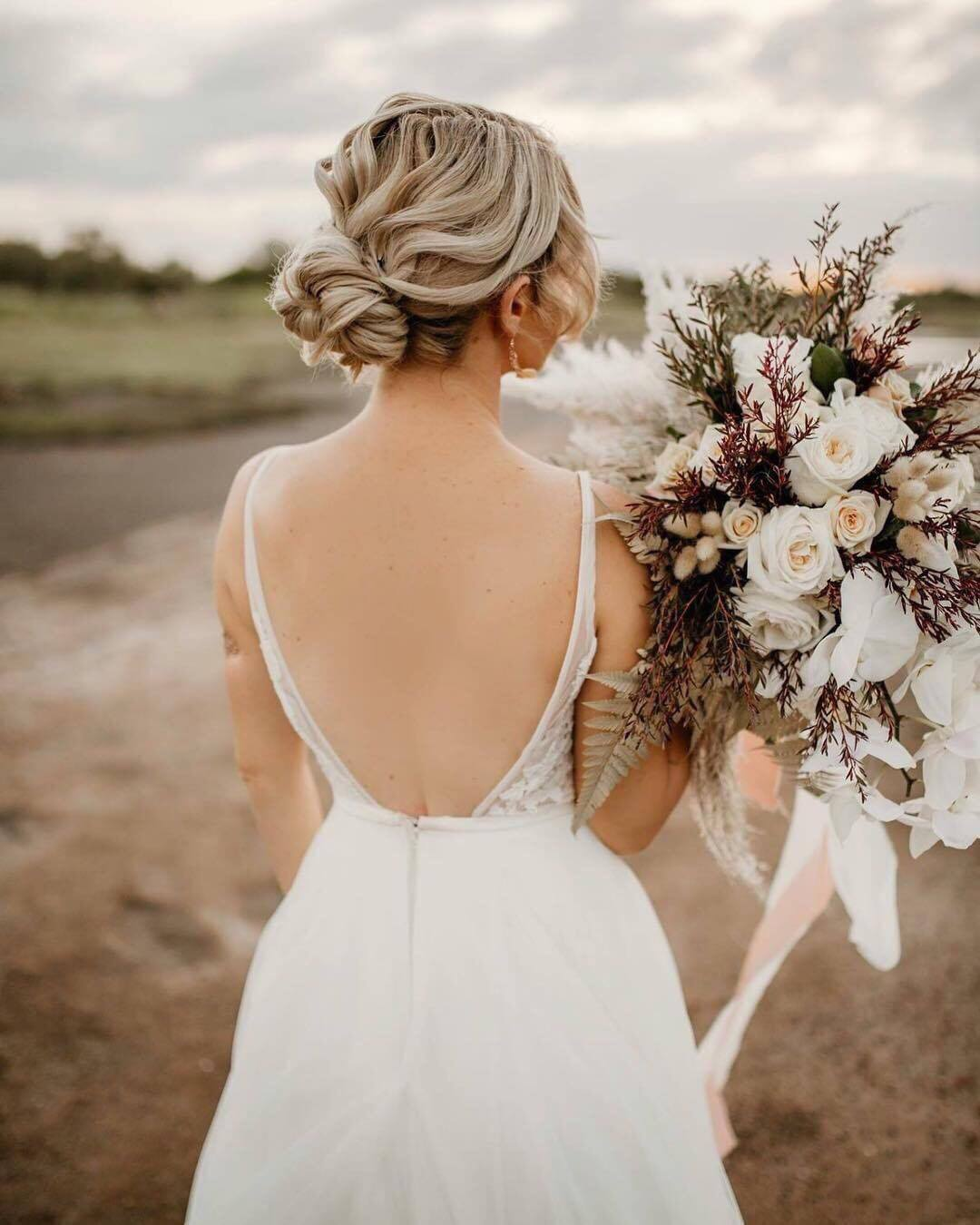 BOHO BRIDE BOHO HAIRSTYLES HUNTER & CO PHOTOGRAPHY TOWNSVILLE