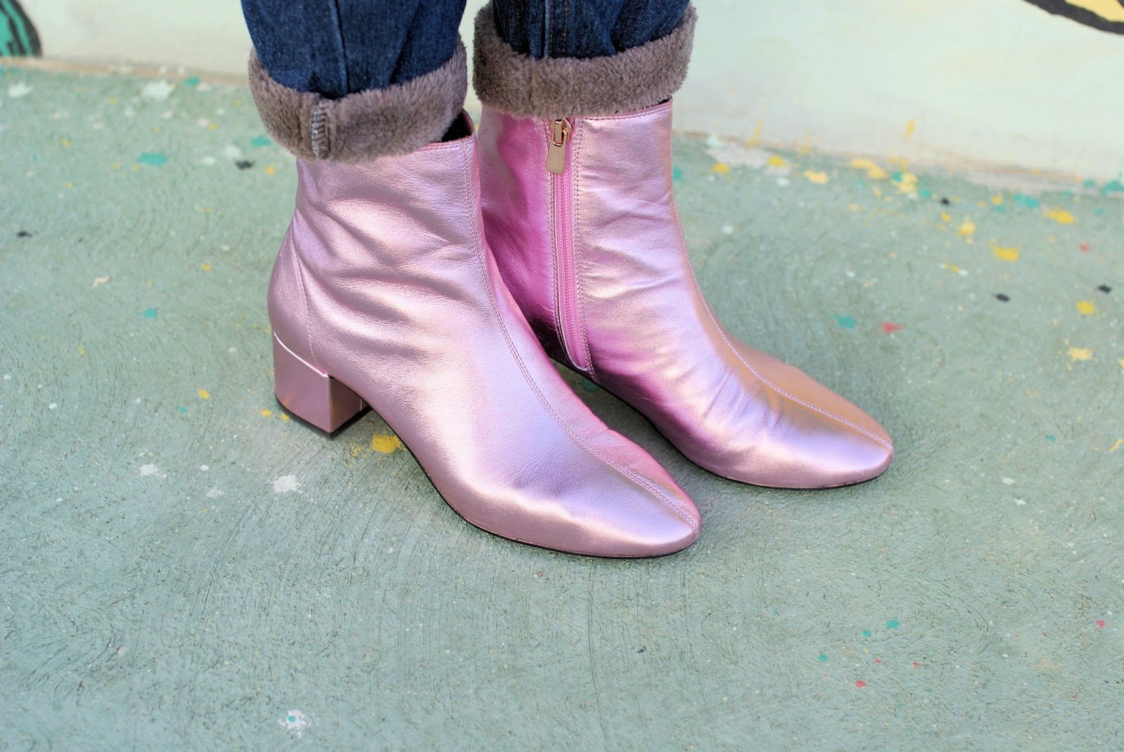 Metallic pink Other Stories ankle boots on Fashion and Cookies fashion blog, fashion blogger style