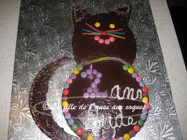 La Fille De Lanse Aux Coques Gâteau Danniversaire Chat